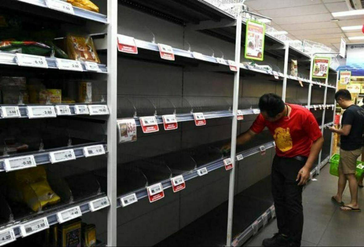 سنگاپور؛ هجوم مردم به فروشگاه ها به دلیل ترس از کرونا (